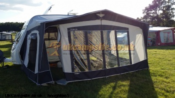 Bradcot CONCEPT BEST AWNING 2011 840