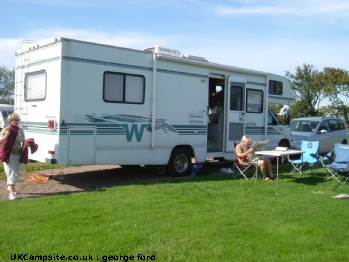 Winnebago Model WF329N   MinniWinne, 6 berth, (2001)