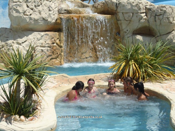 Reviews of camping europa saint gilles croix de vie for Camping la ciotat avec piscine