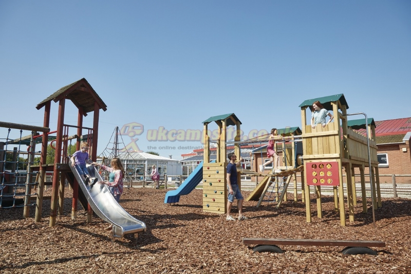 Cherry tree holiday park parkdean resorts great yarmouth campsites norfolk Public swimming pools norfolk