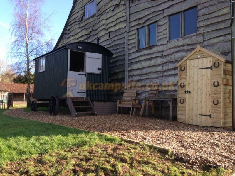 Manor Court Farm , Tunbridge Wells Campsites, Kent