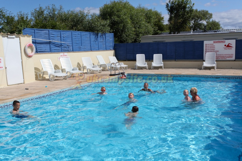 Country view caravan park weston super mare campsites - Holiday homes in somerset with swimming pool ...
