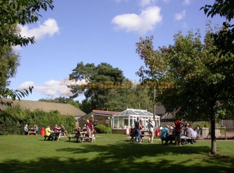 Basingstoke Canal Centre Campsite Mytchett Campsites Surrey