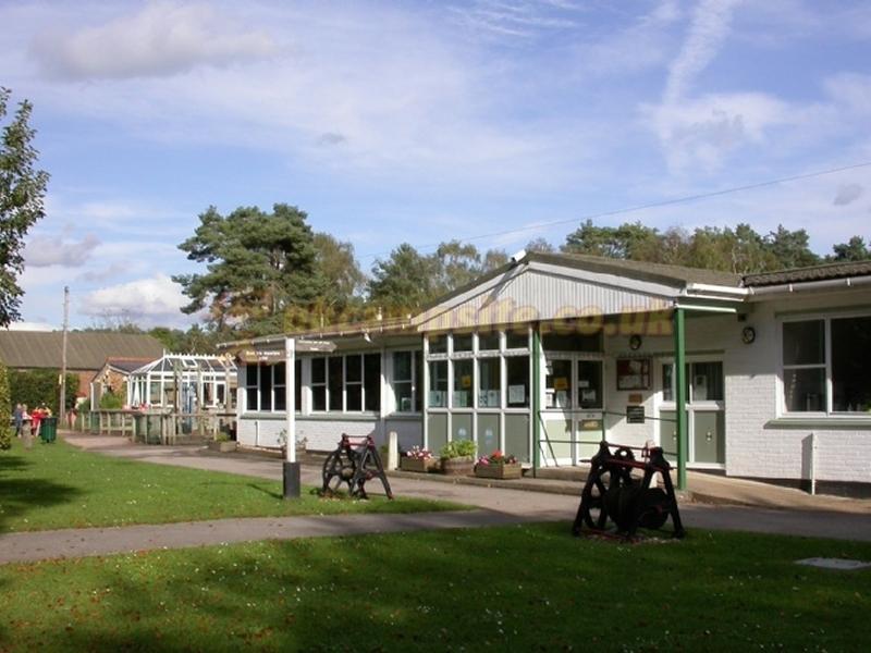 Basingstoke Canal Centre Campsite , Mytchett Campsites, Surrey