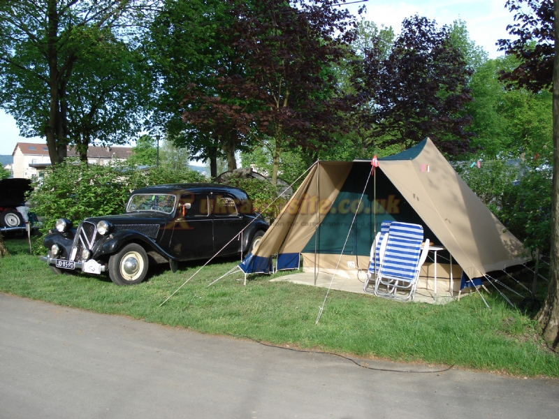 Camping municipal epernay epernay campsites champagne for Camping champagne ardennes avec piscine