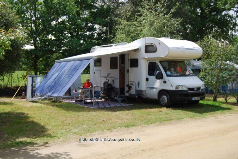 Reviews of le bois joli bois de cene pays de la loire for Camping le bois joli la chambre