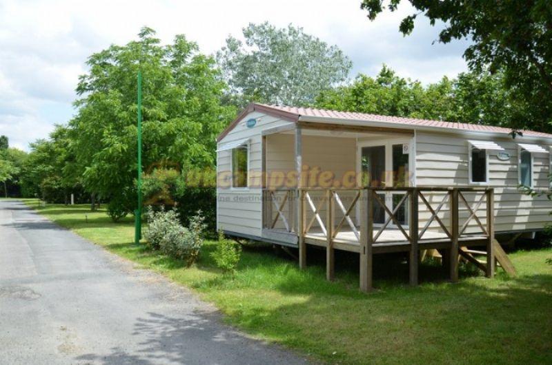 Reviews of Camping Du Bois Vert , Parthenay, Poitou  ~ Camping Bois Vert