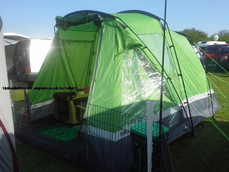 Hi Gear Aura 3 Tent Reviews And Details