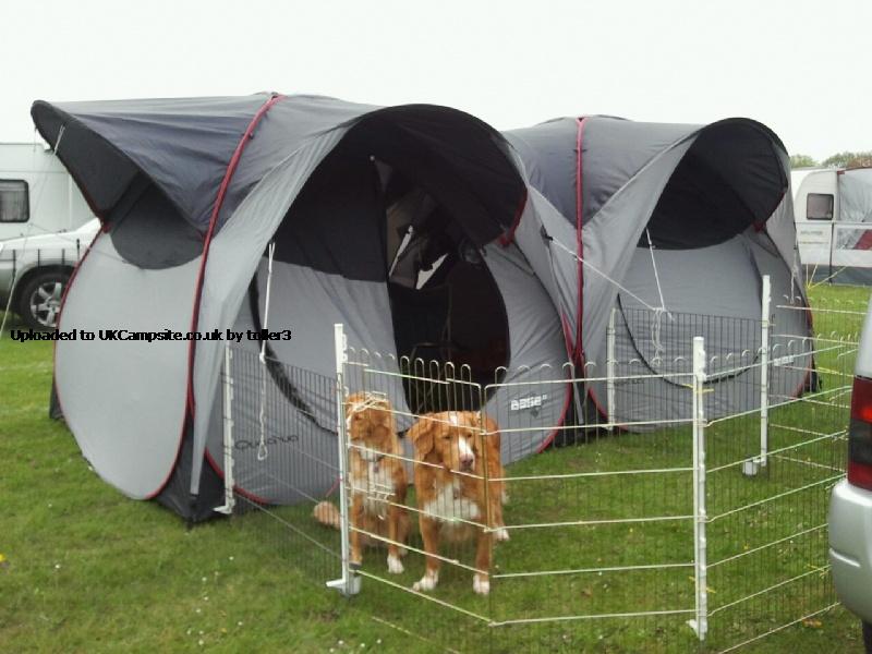 Quechua base seconds utility tent tarp reviews and details for Living room quechua