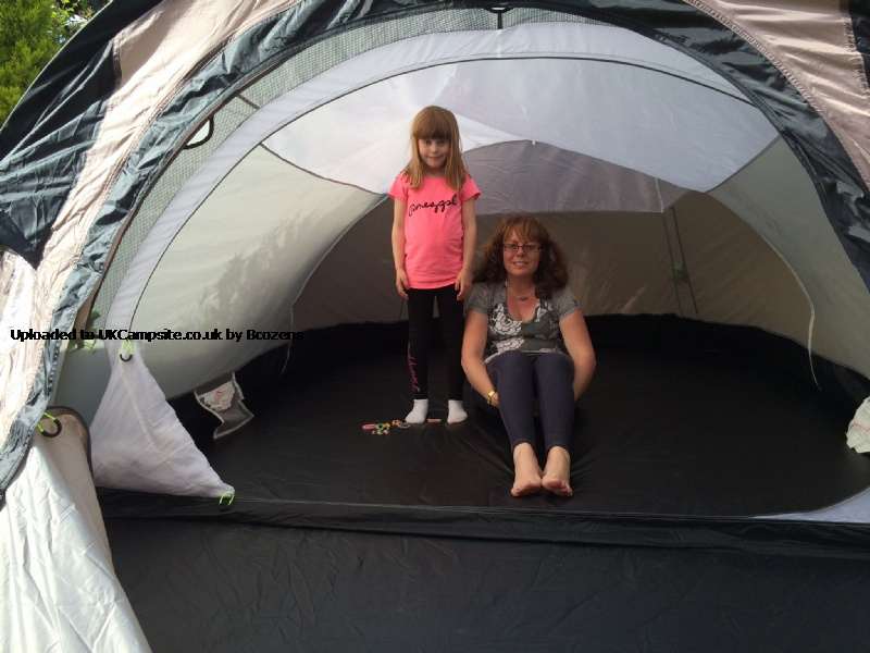 2 Bedroom Pop Up Tent