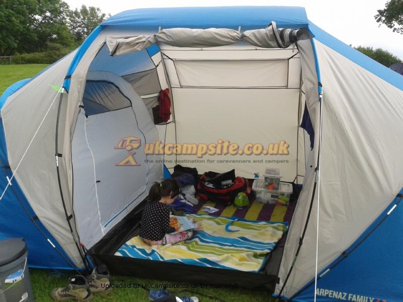 Quechua Arpenaz 4.2 Family Tent Reviews and Details