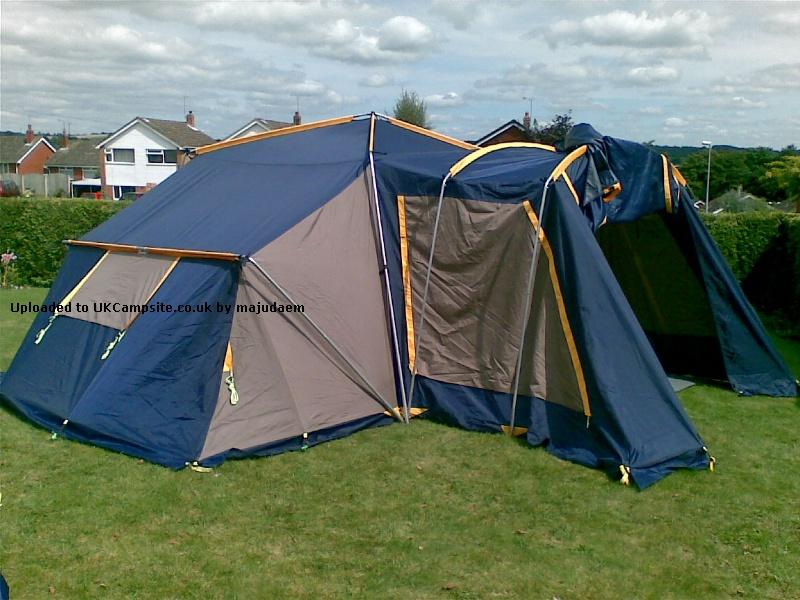 SunnCamp APS 3006 Plus Tent Reviews and Details