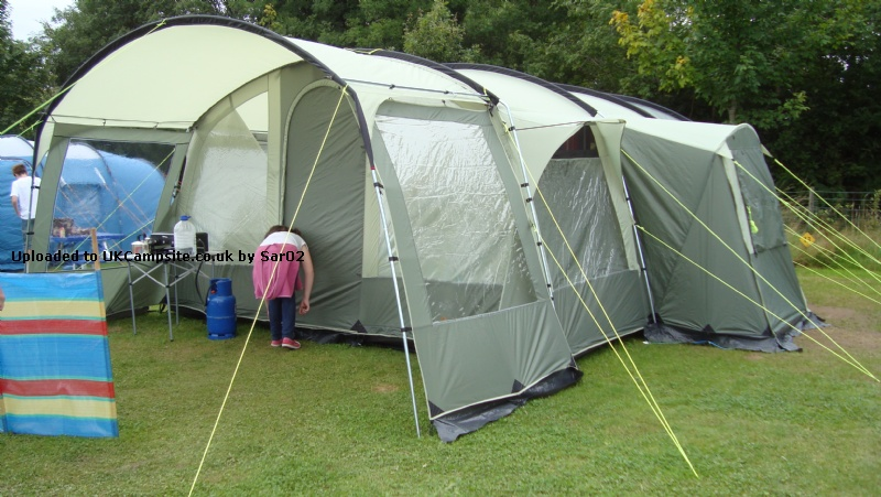Member Uploaded Images - click to enlarge & Royal Bordeaux 6 Select ZG Tent Reviews and Details