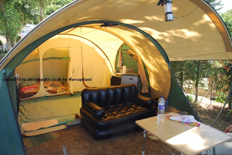 cabanon biscaya 440 tent reviews and details. Black Bedroom Furniture Sets. Home Design Ideas