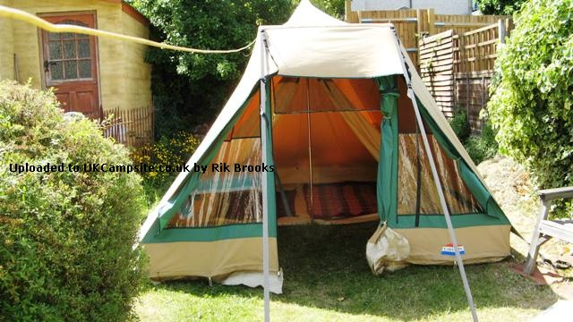 Cabanon Pyramide 4 Tent Reviews and Details